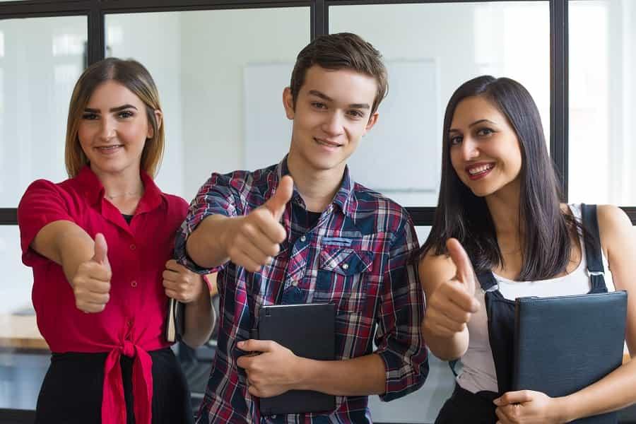 estudantes jovem aprendiz e estagiário