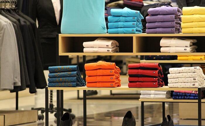 trabalhar em loja de roupa